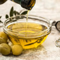ダイエットにも美容にも重要な油。「体にいい油」と「避けたほうが良い油」とは?